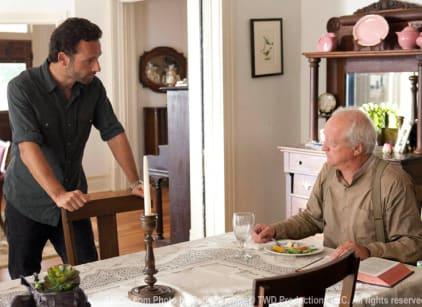 Watch The Walking Dead Season 2 Episode 7 Online
