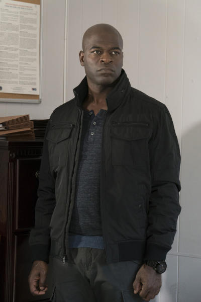 Dembe looks around - The Blacklist Season 4 Episode 17
