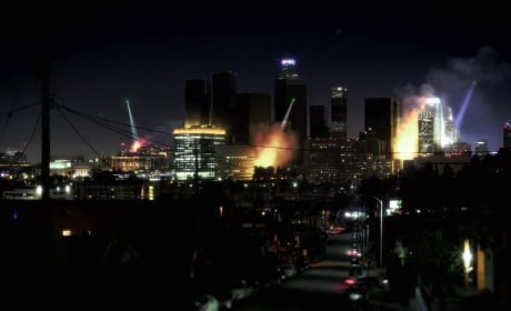 Fear the Walking Dead Premiere Trailer: Lights Out LA