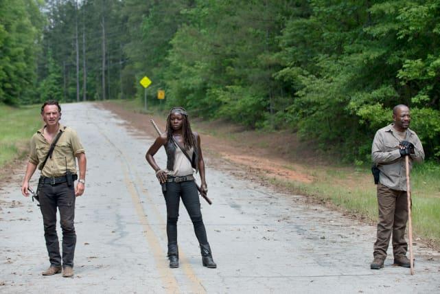 On the road again - The Walking Dead Season 6 Episode 1