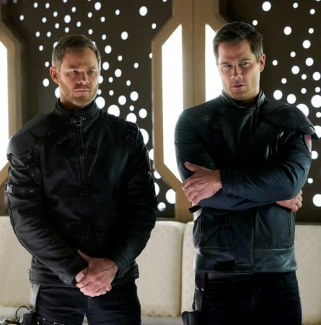 Brothers United - Killjoys Season 3 Episode 10