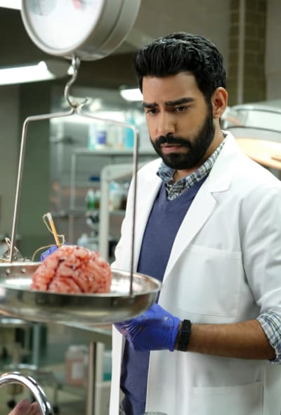 Mad Brain Scientist - iZombie Season 4 Episode 1