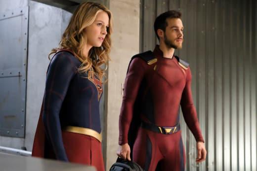 Super Duo - Supergirl Season 3 Episode 18