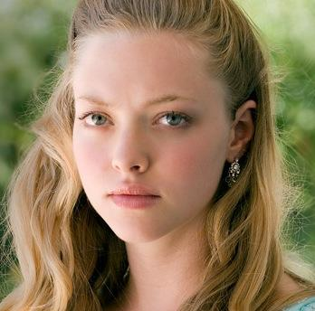Amanda Seyfried as Sarah Henrickson