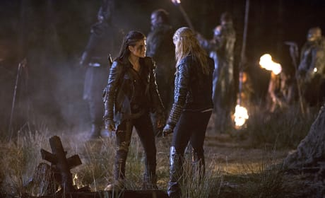 Octavia and Clarke Talk Shop  - The 100 Season 2 Episode 14