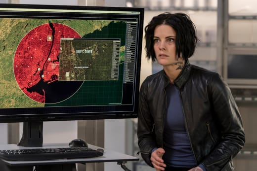 Jane Tracks Roman - Blindspot Season 2 Episode 10