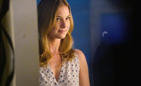 Emily Drops By - Revenge Season 4 Episode 15