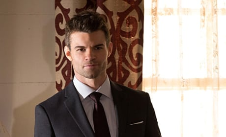 Suited Up - The Originals Season 2 Episode 10