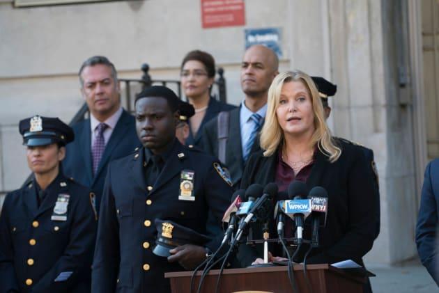 Julia Ayres for Mayor - Shades of Blue Season 2 Episode 1