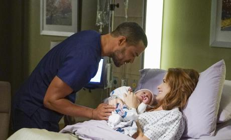 Reconciliation? - Grey's Anatomy Season 13 Episode 1