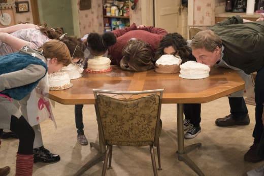 Let Them Eat Cake - Roseanne Season 10 Episode 5
