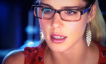 Sexy Saturday: 33 Beautiful, Beloved (and Bespectacled) TV Characters
