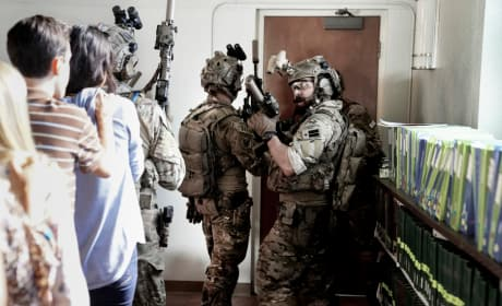 Rescuing Hostages - SEAL Team
