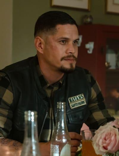 EZ at Dinner - Mayans M.C. Season 3 Episode 8