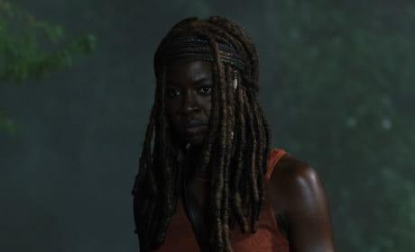On Guard - The Walking Dead Season 9 Episode 4