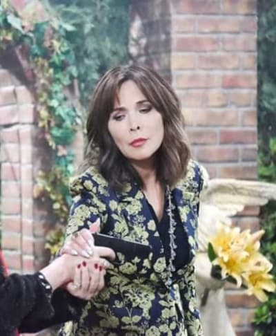 (TALL) Kate Runs into Vivian - Days of Our Lives