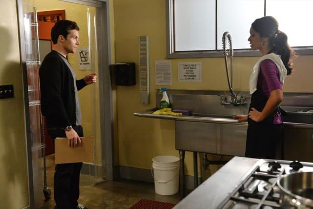 Checking In - Pretty Little Liars Season 5 Episode 19