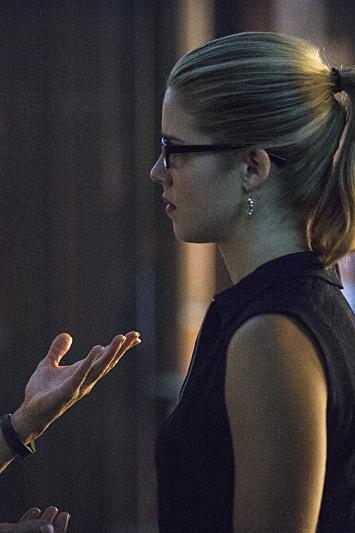 Arrow Season 3 Episode 5 Promo: Smoak Signals