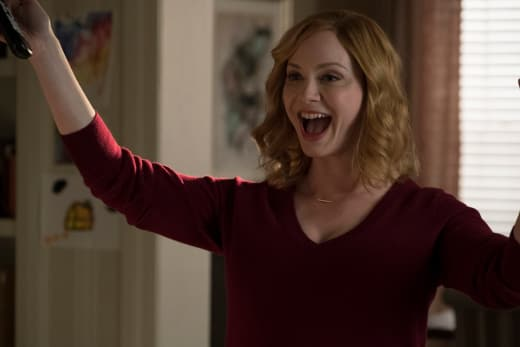 Excited Beth- Good Girls Season 1 Episode 2