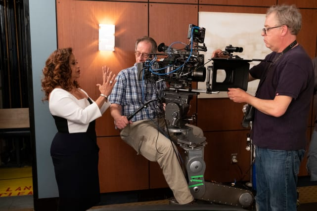 Debbie Allen Directs - Grey's Anatomy Season 15 Episode 25