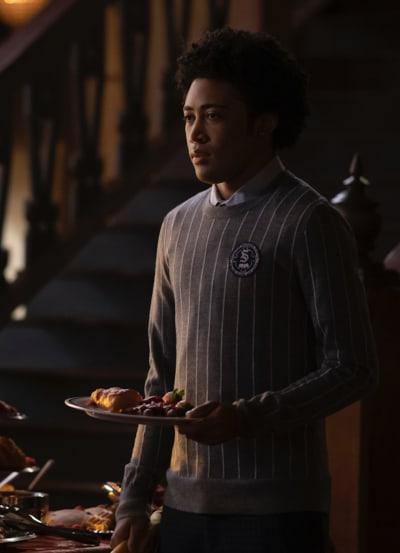 MG Looks for Friends - Legacies Season 3 Episode 8