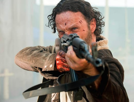 Rick Takes Aim - The Walking Dead Season 5 Episode 1