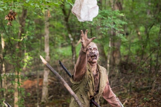 Almost Got It! - The Walking Dead Season 8 Episode 6
