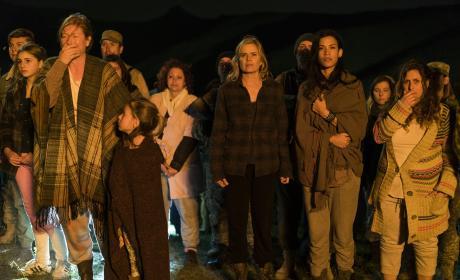 Looking on - Fear the Walking Dead Season 3 Episode 5