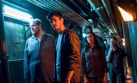 Time For A Prison Break - The Flash Season 4 Episode 13