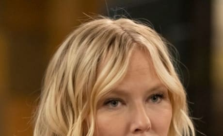 Amanda Rollins Thinking - Law & Order: SVU Season 20 Episode 15