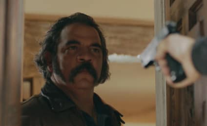 Watch Queen of the South Online: Season 3 Episode 2