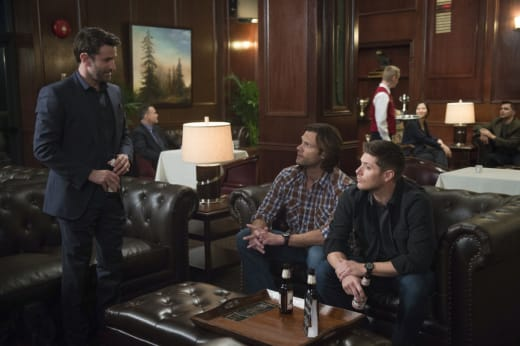 A couple beers among friends - Supernatural Season 12 Episode 16