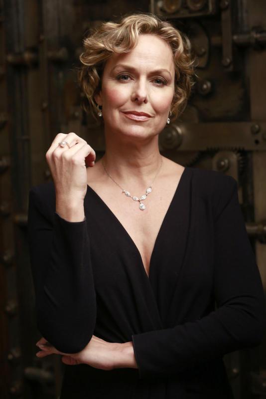 Isabella Stone has arrived - The Blacklist Season 4 Episode 13