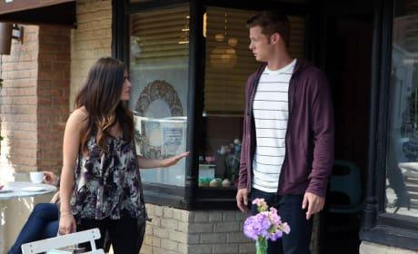 Lending a Hand - Pretty Little Liars Season 5 Episode 20