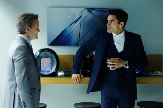 Ben Plots His Next Move - Incorporated Season 1 Episode 8