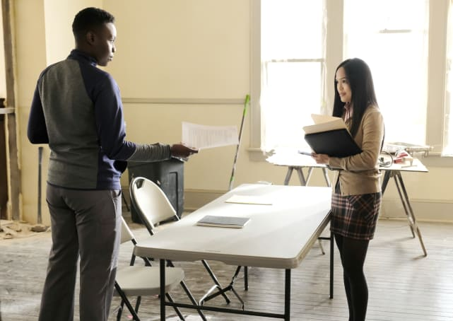 Delegating - The Resident Season 2 Episode 10