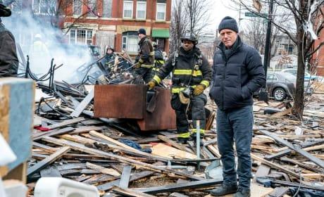Surveying The Crime Scene - Chicago PD Season 4 Episode 14