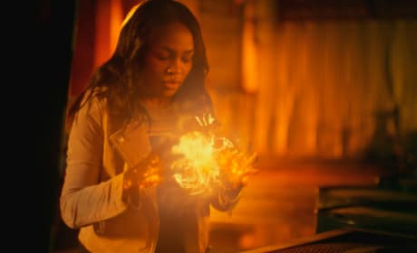 Inner Energy - Wide - Black Lightning Season 2 Episode 8