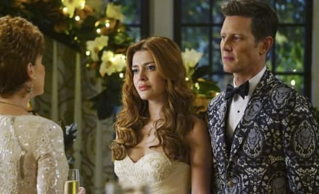Newlyweds - Revenge Season 4 Episode 14