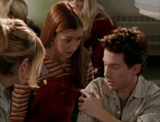 Oz Shot - Buffy the Vampire Slayer Season 2 Episode 10