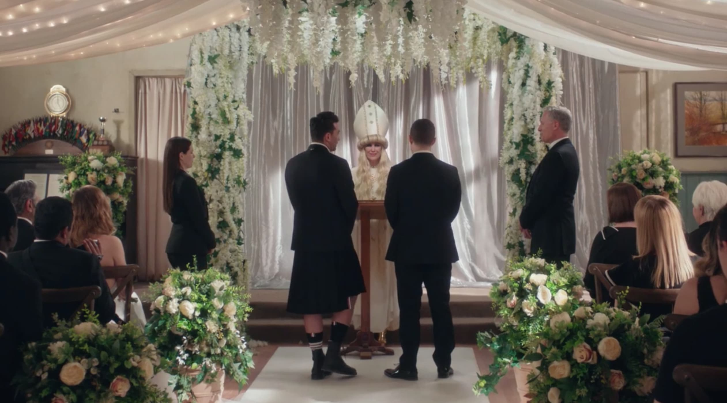 Schitt S Creek Season 6 Episode 14 Review Happy Ending Tv Fanatic