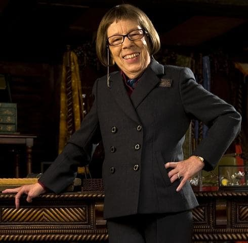 Linda Hunt Photo