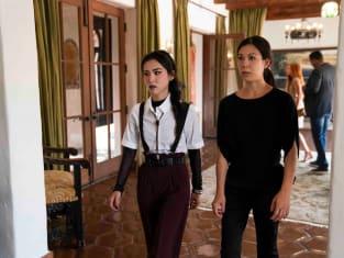 Nico and Tina - Marvel's Runaways Season 3 Episode 6