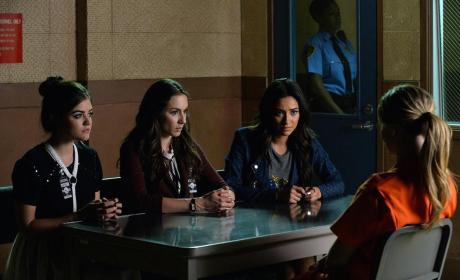 Liars in Jail - Pretty Little Liars Season 5 Episode 21