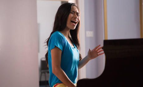 Jessica Sanchez Glee Debut