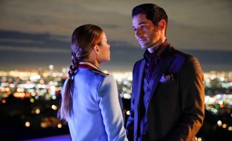 Quintessential Deckerstar Right Here - Lucifer Season 3 Episode 23