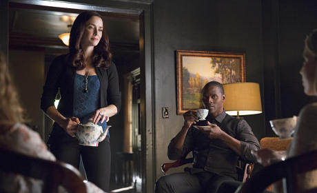 Lily and Her Family - The Vampire Diaries Season 7 Episode 1