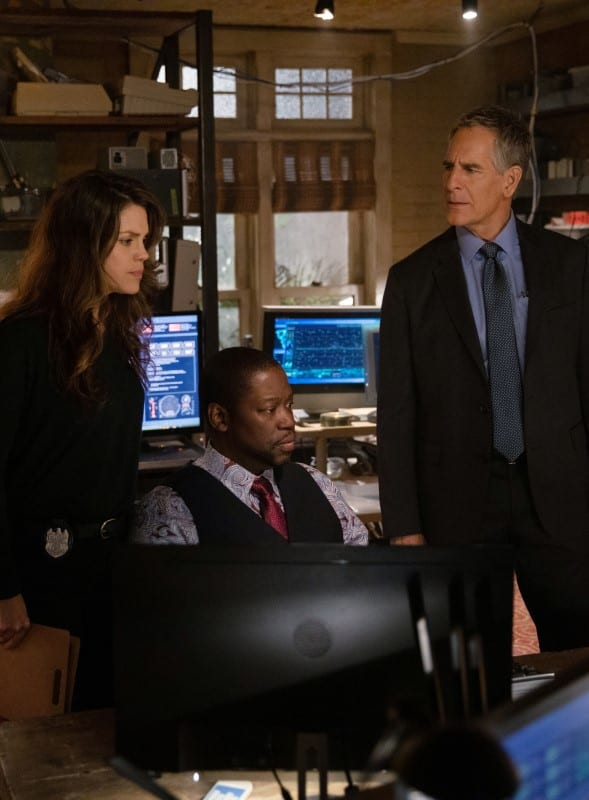Patton Helps the Team - NCIS: New Orleans Season 5 Episode 21