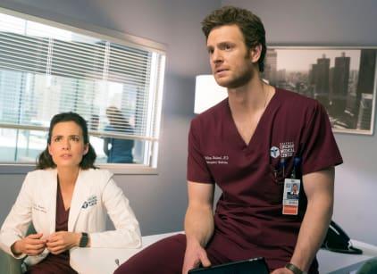 Watch Chicago Med Season 2 Episode 22 Online