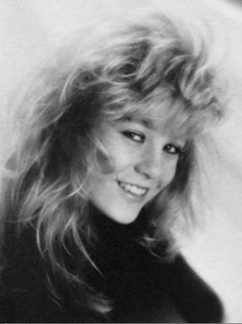 Ellen Pompeo High School Yearbook Photo